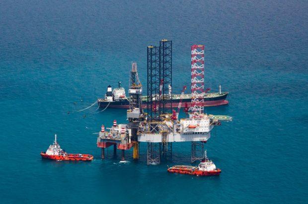 نقش دلار در رشد یک درصدی قیمت نفت