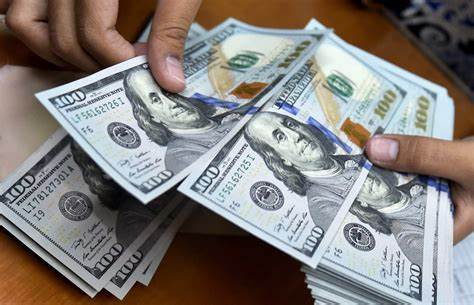 عقبنشینی دوباره دلار به کانال ۱۱ هزار تومانی