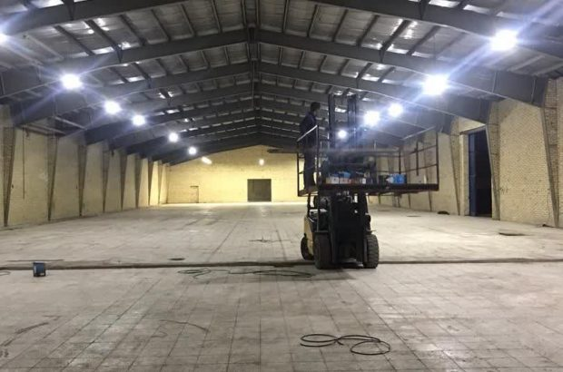 آماده سازی سالن های محل برگزاری نمایشگاه ملی فرش ماشینی در کاشان