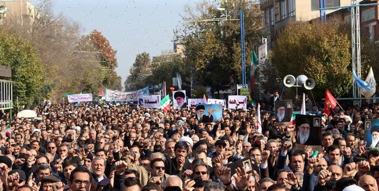 تظاهرات سراسری پس از از نمازهای جمعه در سراسر کشور در پی آسمانی شدن حاج قاسم سلیمانی
