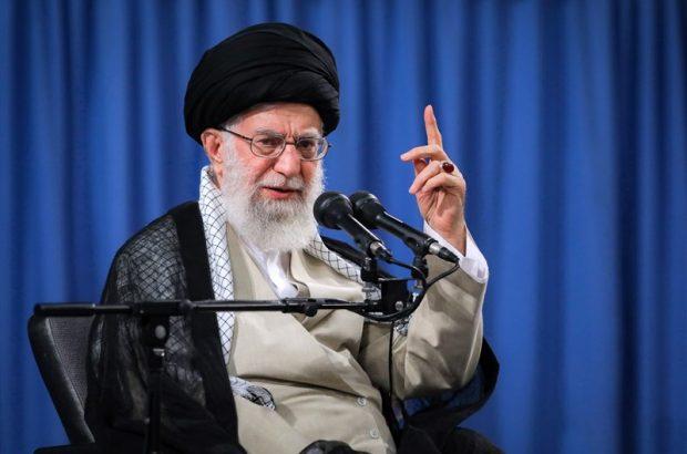 رهبر انقلاب: کشور را به سمت جنگ نمیبریم اما در مقابل تحمیل با قدرت میایستیم.