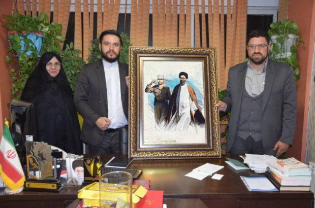 اهدای عکس شهید صیاد شیرازی به قرارگاه ثائر